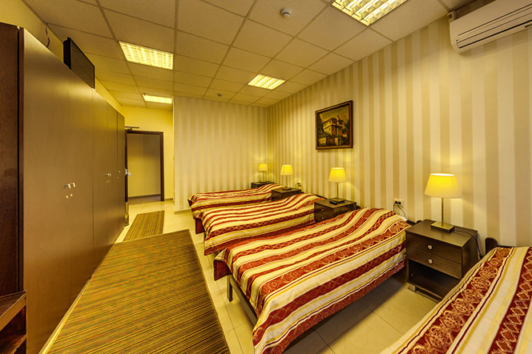 room 4 beds Hotel Cheap