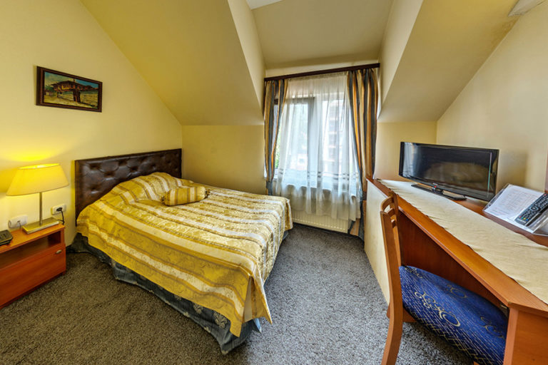 single room Hotel Cheap